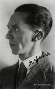 Portrait de Joseph Goebbels, ministre de la Propagande du IIIe Reich.