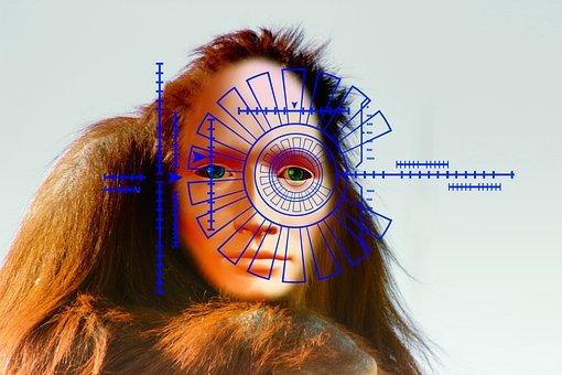 Takeo Kanade, un informaticien japonais est l'un des premiers à tester la reconnaissance faciale, en 1973