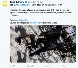 Manifestant frappé avec le pied par un CRS lors de l'acte 32 des gilets jaunes, le 22/06/2019 à Toulouse
